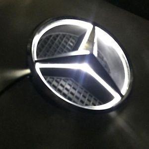 Mercedes stjerne med lys